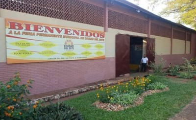 Feria permanente de CDE abre al público de martes a sábado