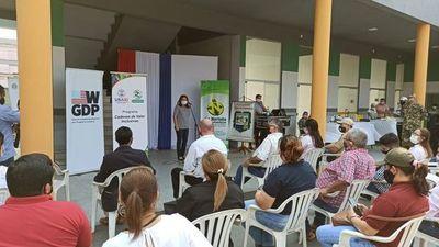 Emprendedores exponen sus productos y reciben asesoramiento en San Pedro