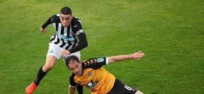 El Newcastle de Almirón, entre los ocho mejores de la Copa de la Liga
