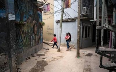 HOY / La pobreza afecta ya al 40,9 % de los argentinos, según informe