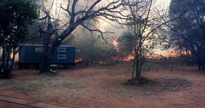 La Nación / Incendio de gran magnitud se registra en el Cerro Kõi de Areguá