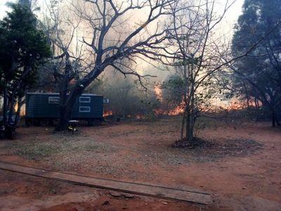 Incendio de gran magnitud en la reserva Cerro Kõi de Areguá