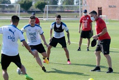 Jorge Morel, descartado para el debut albirrojo en Eliminatorias tras dar positivo al COVID-19