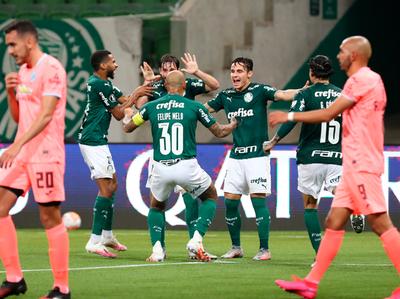 Palmeiras se mete a octavos con goleada incluída