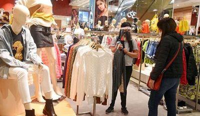 Reactivan cuotas sin interés y descuentos para incentivar el consumo en comercios