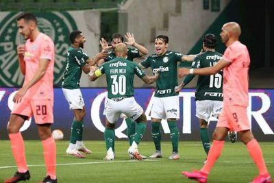 Palmeiras golea, clasifica y deja al Bolívar en el abismo