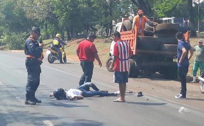 Motociclista muere luego de chocar contra un camión de la Municipalidad de CDE