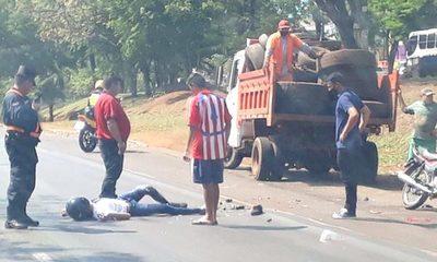 Joven motociclista fallece tras embestir contra camión de la Municipalidad de CDE – Diario TNPRESS