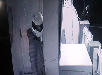 Ladrón con CASCO anda SUELTO en PRESIDENTE FRANCO