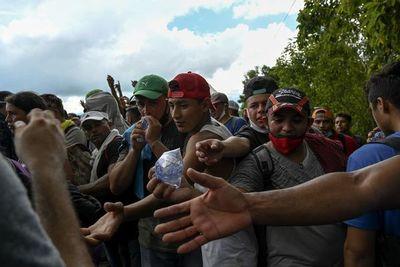 Migrantes hondureños desafían el coronavirus y emprenden travesía a EE.UU.