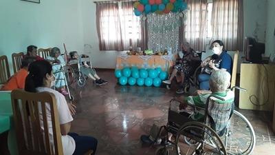 En el Hogar de Ancianos festejaron el Día del Adulto Mayor