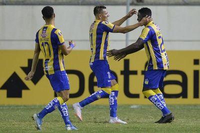 Delfín golea 3-0 a Defensa y Justicia  y Olimpia respira en la Libertadores