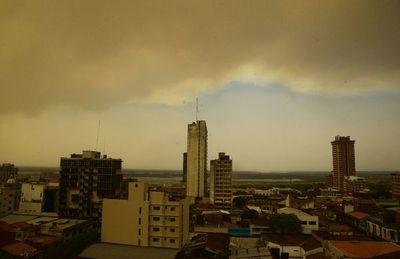 """""""Humo apocalíptico"""" a causa de los incendios cubrió el área metropolitana"""