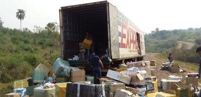 Desvalijan camión repleto de mercaderías en Yataity del Norte