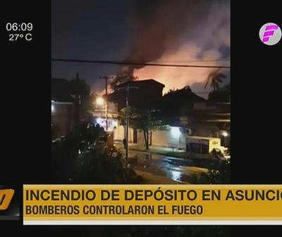 Incendio de depósito en Asunción