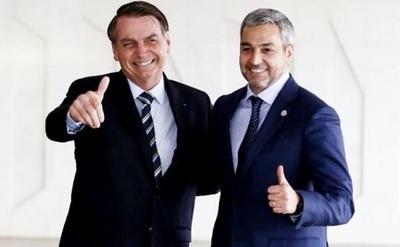 Bolsonaro anuncia reunión con Abdo para apertura de frontera
