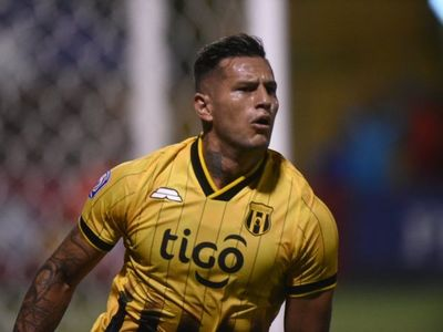 Raúl Bobadilla vuelve a la Albirroja