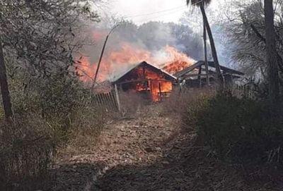 General Bruguez: hombre muere calcinado al quedar atrapado en medio de un incendio forestal