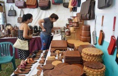 Invitan a turistas a visitar la Expo Cuero en Atyrá