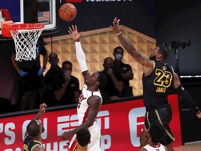 James y Davis vuelven a exhibirse y Lakers ya tienen ventaja de 2-0