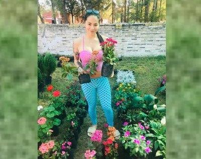 Crónica / Colgó la tanga y se volvió flor…