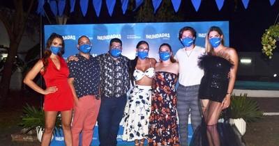 """La Nación / Estrenaron la obra online """"Inundadas"""""""