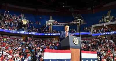 """La Nación / Trump """"está muy bien"""", pero los próximos días serán """"el verdadero test"""""""