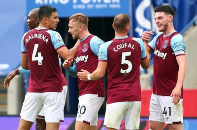 Con Fabián Balbuena de titular, West Ham goleó al Leicester City