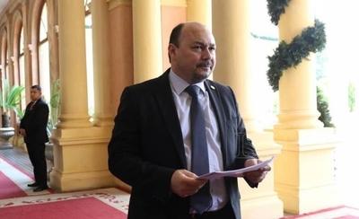 HOY / Con fondos del sistema Sofía se pagó fiesta pos-COVID del director de Aduanas