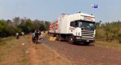 Piratas del asfalto atacan un camión en Yataity del Norte