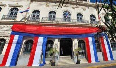 HOY / Lilian Samaniego pretende 'politizar' la diplomacia paraguaya, cuestionan