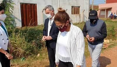 Comitiva fiscal verifica obra inconclusa de «Tati» Urbieta