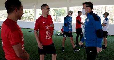 Eliminatorias Sudamericanas: La Albirroja realiza trabajos tácticos