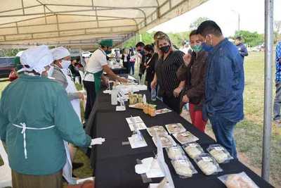 Feria de emprendedores de Ayolas mostró capacidad de producción de los pobladores