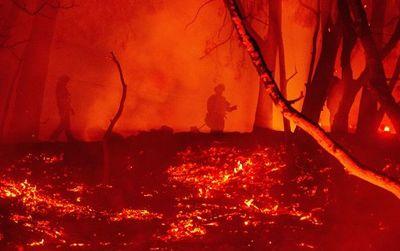 Incendio más grande de la historia de California quema 400 mil hectáreas