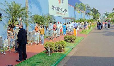 Compradores brasileños coparon los centros comerciales en Pedro Juan