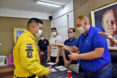 Gobernador convierte en PROSELITISMO donación de su SUELDO a bomberos