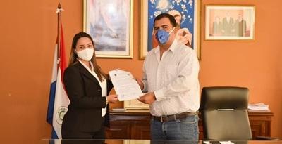 Caazapá: Asume nueva Secretaria Departamental de la Juventud