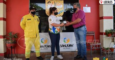 Bomberos Amarillos reciben millonario aporte departe de la Municipalidad de San Juan del Pná
