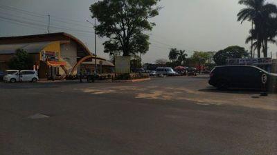En PJC  abrieron frontera: cientos de brasileños ingresaron a comprar