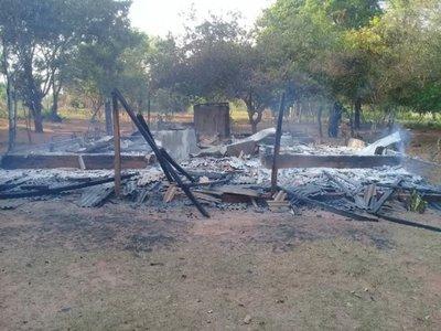 Denuncian que hombre incineró la vivienda de su suegra en Yby Yaú