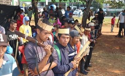 HOY / Autoridades nacionales se comprometen a asistir a comunidades indígenas