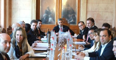 La Nación / Ovelar anunció que Abdo Benítez realizará cambios importantes en su gabinete