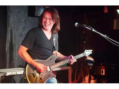 La estrella de rock Eddie Van Halen fallece a los 65 años