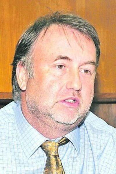 Benigno insta a apoyar la recuperación económica y proteger los empleos