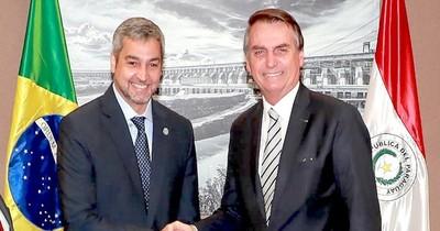 La Nación / En Brasil anuncian que Bolsonaro y Abdo reabrirán frontera el 15 de octubre