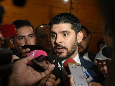 Jueza devuelve imputaciones contra Nenecho, Ferreiro y concejales