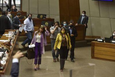 """Los """"indignados"""" que votaron por sancionar a Amarilla"""