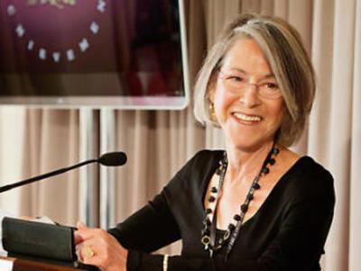 ¡Por la belleza de sus palabras! Otorgan el Premio Nobel de Literatura a la poetisa Louise Glück