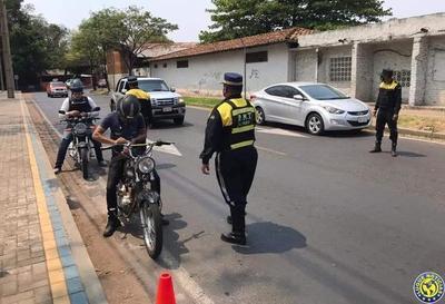 PMT de Luque multa a 20 motociclistas por usar roncadores •